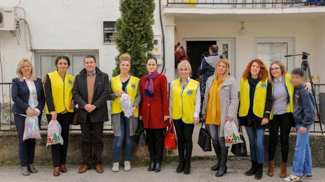 """""""LIONS-Тиквеш  Кавадарци"""" донираше во Домот на децата без родители (ВИДЕО)"""