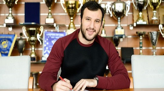 Манасков останува во Веспрем до 2020 година