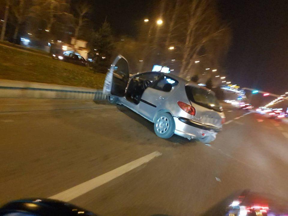 """ФОТО: Сообраќајка во скопски Аеродром, се судрија """"Пежо"""" и """"Пасат"""""""
