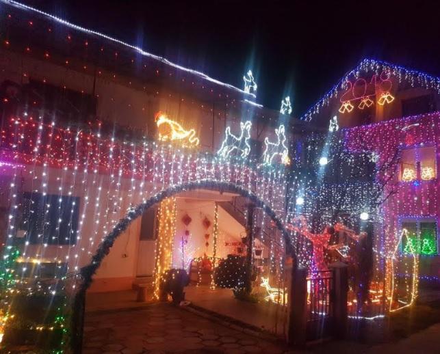 ФОТО: Ова се најубаво новогодишно украсените дворови во општина Бутел