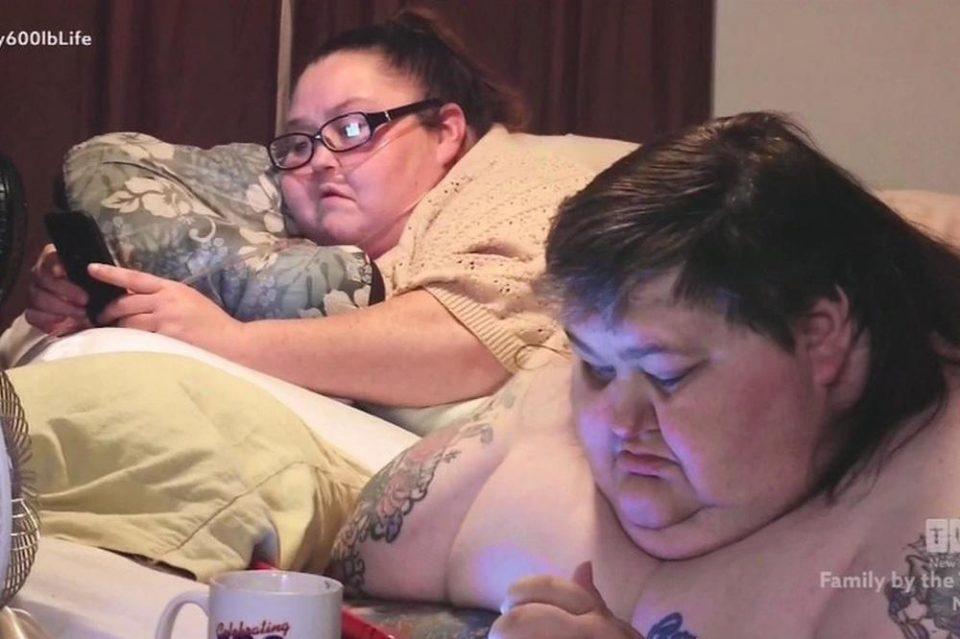 Единаесет години заедно уживаат во храната: Само јадат и лежат, вкупно имаат 568 килограми- ќе починат ако некој не им помогне