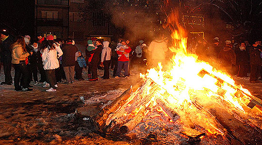 Град Скопје апелира да не се палат коледарски огнови