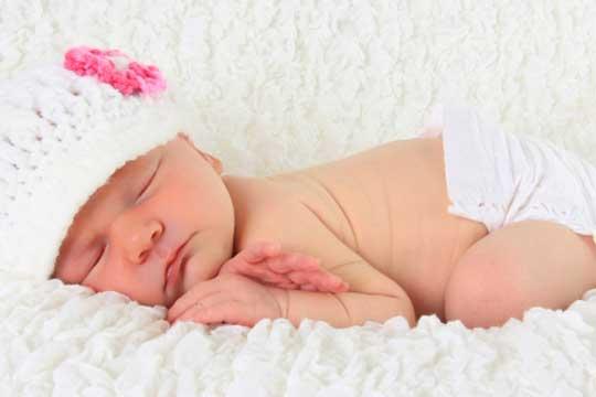 Во Прилеп се роди првото бебе во 2018- малата Дарија и нејзината мајка се во добра здравствена состојба