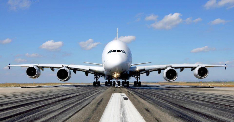 Пад на акциите на Ербас по проблем со авионски мотори