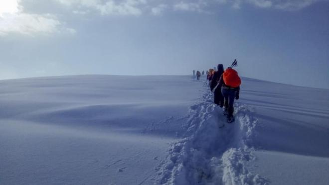 СВР Тетово со апел до планинарите по најавите за снежни врнежи: Пријавете ги турите за искачување