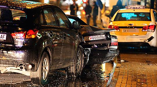 """Детали за тешката сообраќајка на """"Словенечка"""": 4 лица повредени, од кои едно се бори за живот на Ургентен"""