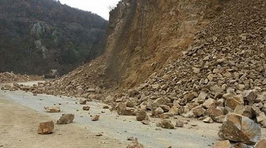 Голем одрон на патот Велес  Градско  сообраќајот во прекин