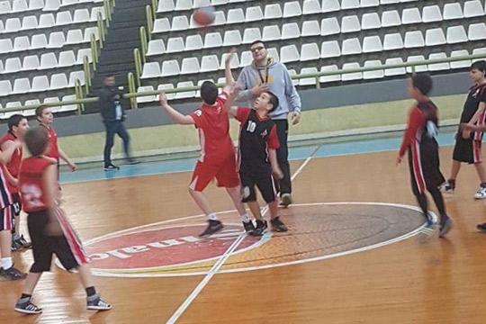 Хуманитарен турнир во кошарка по повод Новогодишните празници во Кавадарци