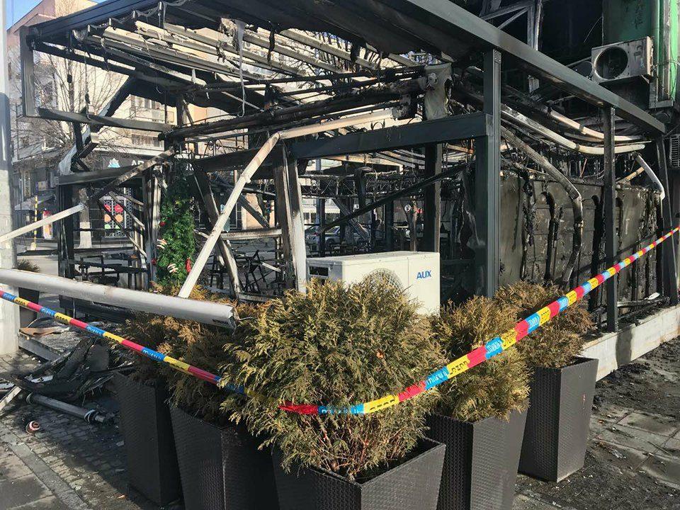 Фотографија од изгореното елитно кафуле во Прилеп- штета од 200.000 евра (ФОТО)