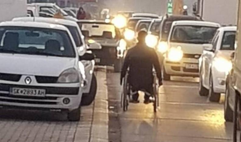 Фотографија која најдобро го отсликува сообраќајниот хаос во Скопје (ФОТО)