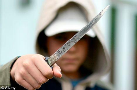Со нож си ги мереле силите во спортска обложувалница во Куманово