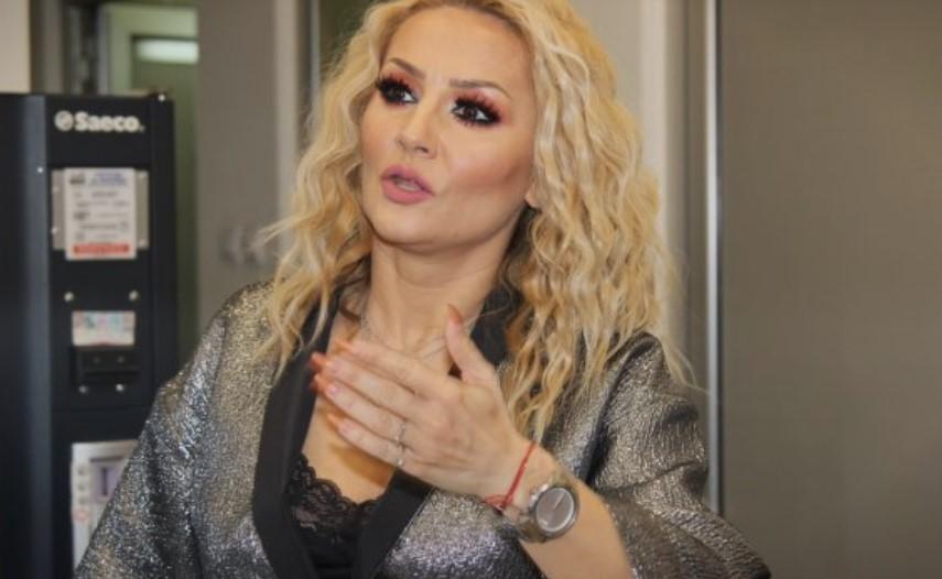ФОТО: Гоца Тржан покажа како изгледа без шминка- како да не е истата жена!