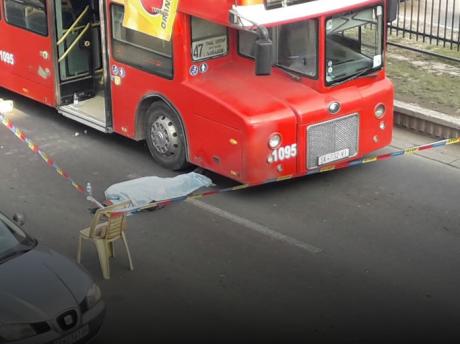 Жена прегазена од автобус на Бит Пазар, починала на лице место