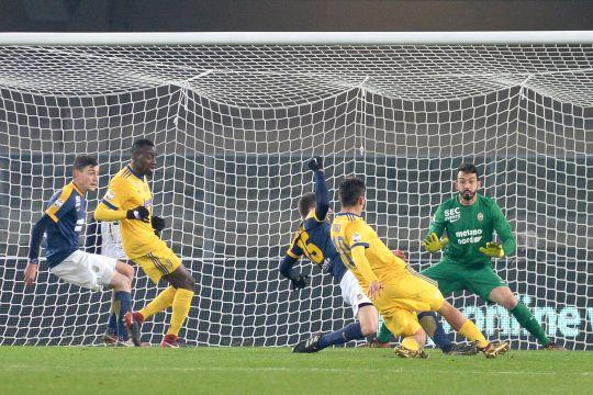 Дибала донесе победа за Јувентус против Верона
