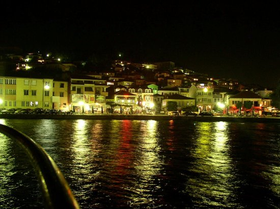 Фотографија од полна месечина во Охрид го обиколи светот