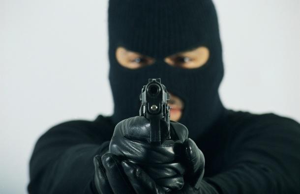 Драма во Гостивар: Маскирани лица му влегле дома, застрелан со пиштол пренесен во болница