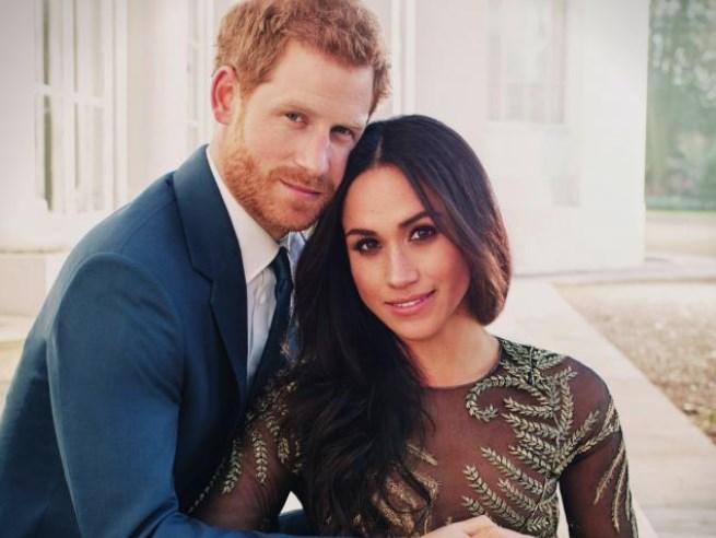 ФОТО: Еве како изгледаат поканите со златен печат на Меган и Хари