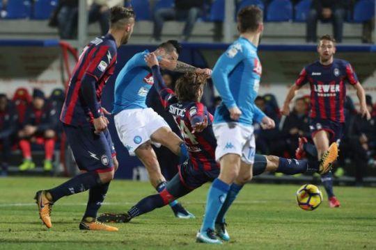 Наполи е лидер на крајот од првата полусезона во Серија А