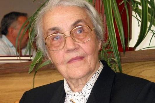 Медумите објавија дека вдовицата на Енвер Хоџа починала, таа им упати новогодишна честитка