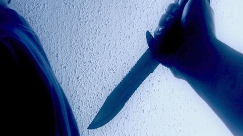 Драма на скопска клиника: Ги држел вработените како заложници и се заканувал со нож