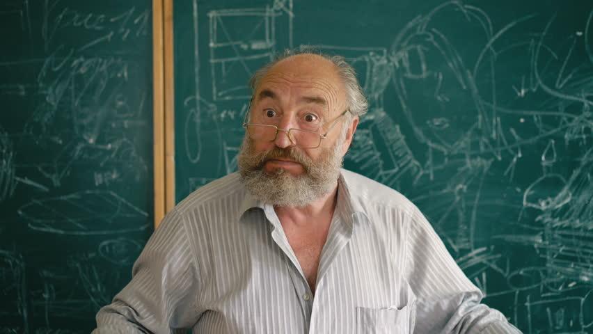Неговиот одговор е лекција за сите: Студентите го прашале професорот зошто не се оженил