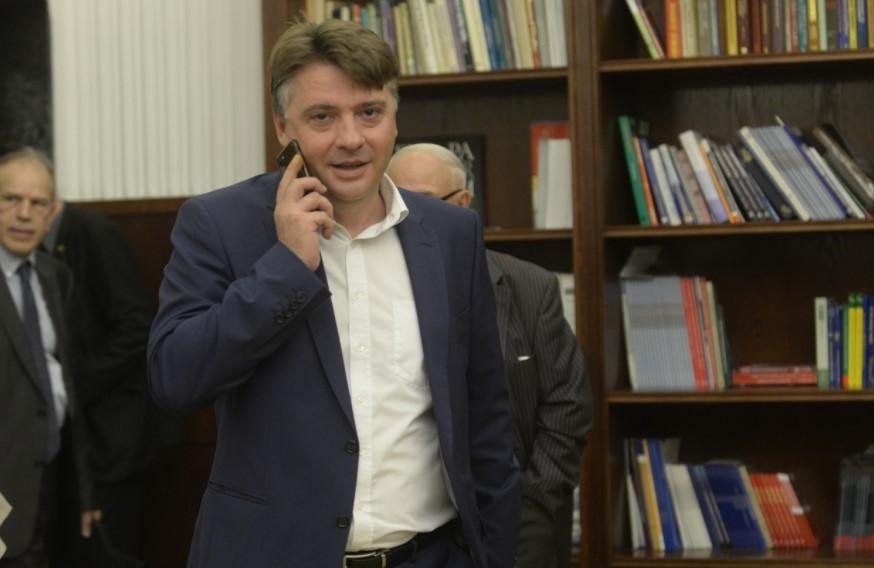 """""""Шарени"""" и партиски активисти- СДСМ и Шилегов со едно гласање сакаат да изгласаат 138 членови на управни, надзорни и училишни одбори"""