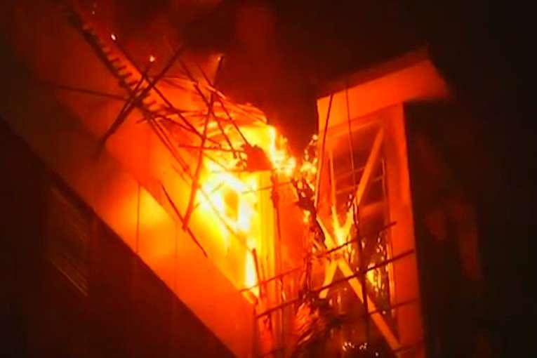 Две трагедии го потресоа светот – десетици загинати во пожари во Њујорк и во Мумбаи