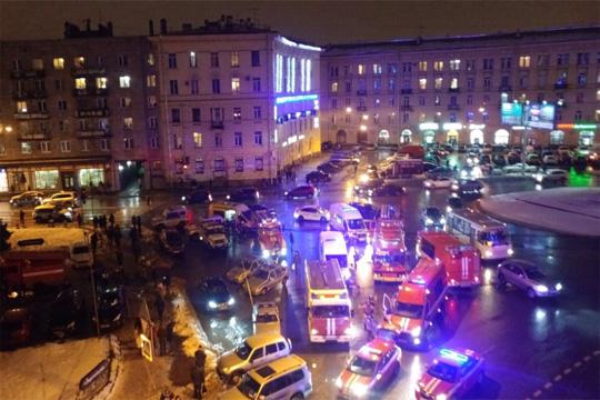 Најмалку 10 повредени при експлозија во Санкт Петербург