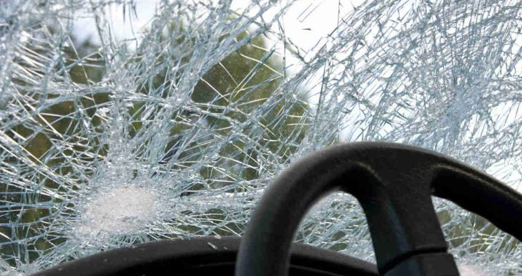 Со автомобил удрил во бетонска бандера: Лице од Косово почина во Скопје