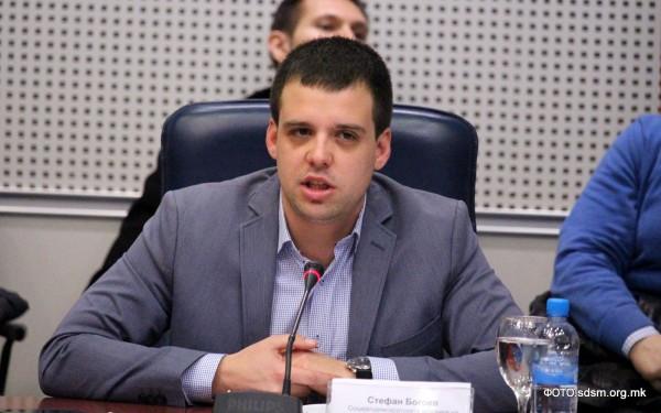 Зечевиќ: Богоев ја манипулира јавноста, на состанокот не е постигнат никаков договор, а преписката ја крие од Советот