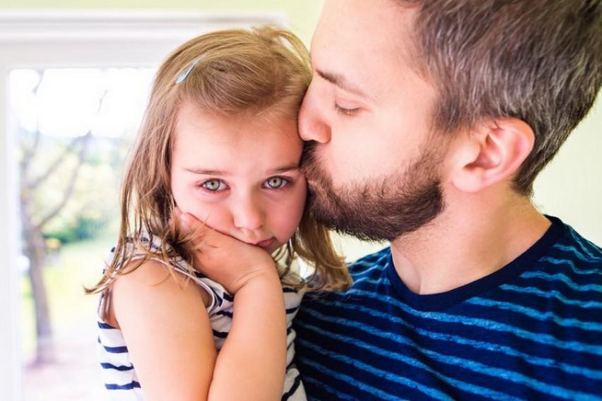 """Татковска исповед која го растажи светот: """"Сопругата ме остави мене и нашите три деца на Божиќ"""""""