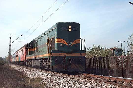 Каменуван воз на релација Велес-Скопје, нема повредени