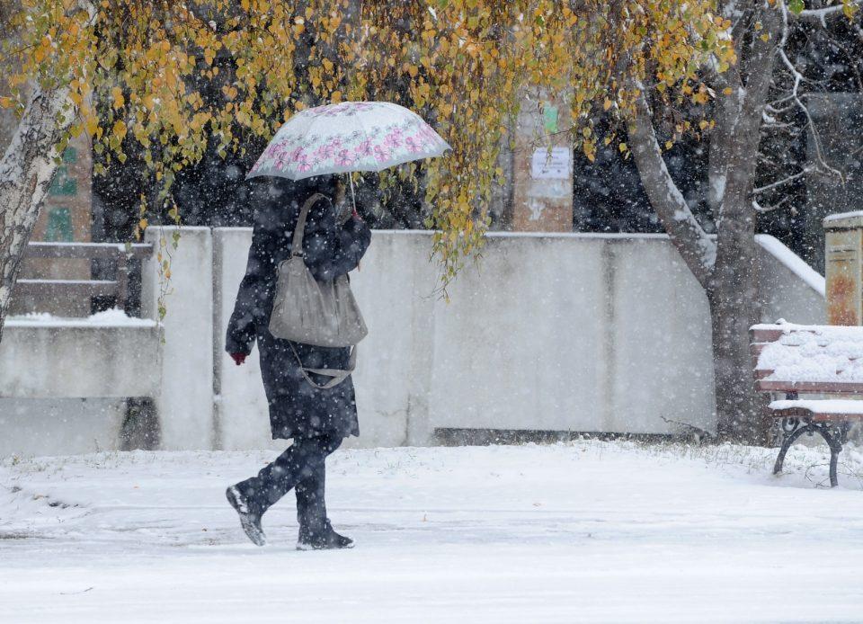 Временска прогноза на УХМР за цела недела: Доаѓа снег