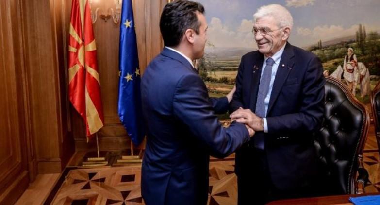 Бутарис за грчките медиуми: Заев сам се покани на прослава во Солун