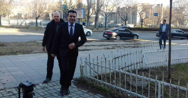 За Заев рочишта на два месеци, за Груевски секој ден
