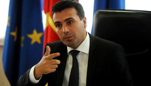 Заев е заштитен од референдум,Законот не предвидува референдум за двојазичноста