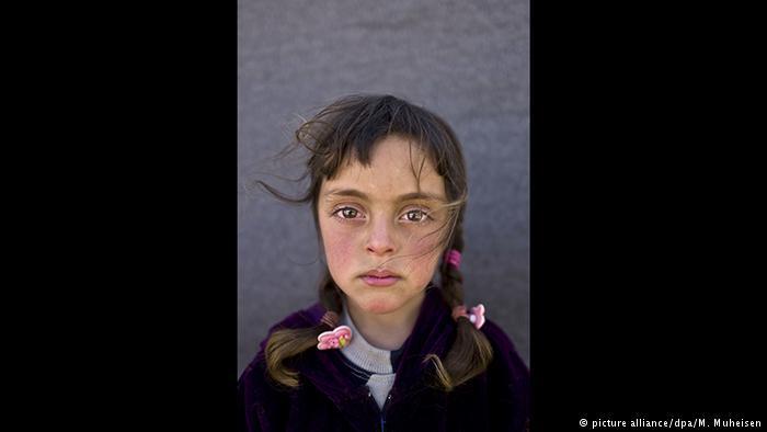 Моќна фотографија која расплакува: Во овој поглед владее тивкото страдање за украденото детство