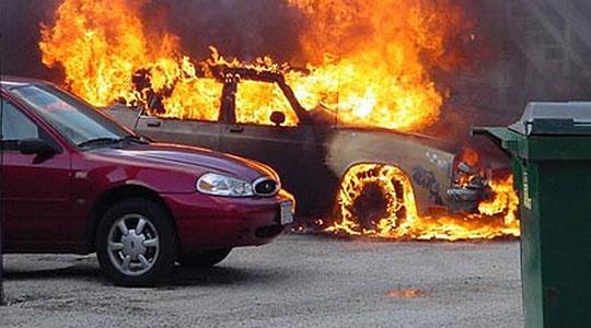Две опожарни возила во гостиварската населба Питарница