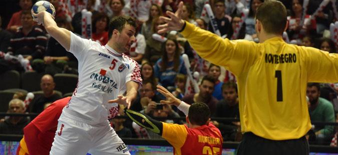 Хрватска ја победи Црна Гора, Червар со критики за играта