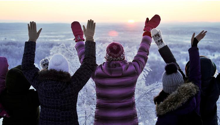 По 40 дена мрак, над Мурманск конечно изгреа сонце (ФОТО)