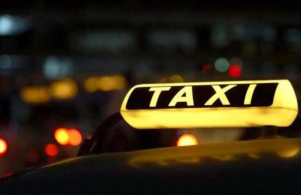 Таксист нападнат од пијан патник кој не сакал да плати
