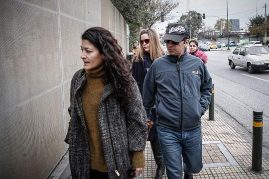 Привремено замрзната одлуката за азил за еден од осумтемина турски војници кои пребега во Грција