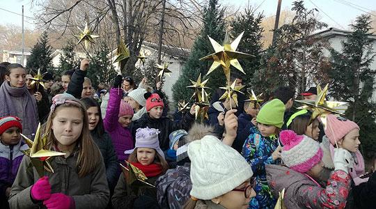 Детски бадникови поворки во пресрет на Божиќ