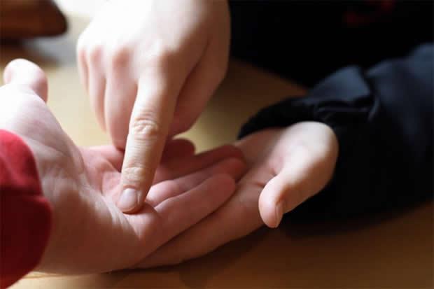 Линии на дланката откриваат: Колку деца ќе имате и какви (ФОТО)