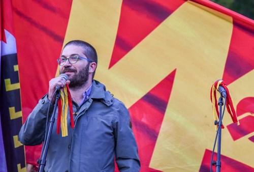 Дурловски од притвор со повеќе лајкови од пратениците на СДСМ кои го бранат законот за двојазичност