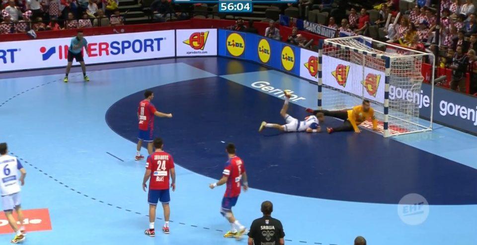 ВИДЕО: Неверојатен гол на мечот Србија- Исланд