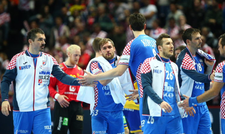 Хрватска и со три победи во втората фаза може да остане без полуфинале