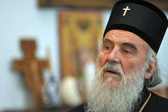Патријарх Иринеј: Србите да му благодарат на Бога за Вучиќ