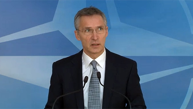 Столтенберг: НАТО останува во Ирак