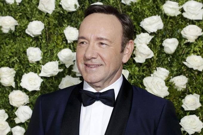 Обвинет е за силување, призна дека е геј, па исчезна: На Оскаровецот му се изгуби секаков траг